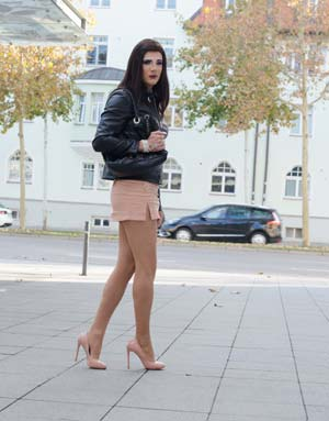 Travestie parisienne féminine pour moments chauds